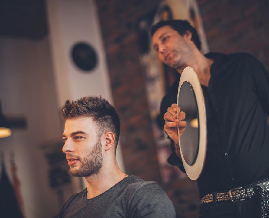Come scoprire il giusto taglio di capelli
