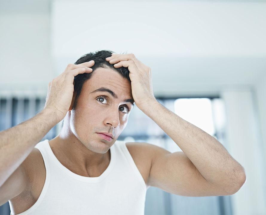 Taglio di capelli stempiati